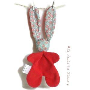 Doudou lapin pour bébé  rose et petite fleurs , Tissus Oeko tex .Norme CE. Original , fait main.