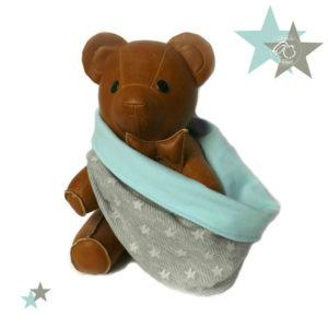 Snood bébé, tour de cou.Gris motifs étoiles et bleu turquoise  .12 / 18 mois. demi saison .Collection printemps.