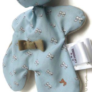 Doudou lapin bleu et taupe motif petits nœuds .Norme CE. Original , fait main.