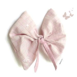 Doudou lange papillon rose pâle pour bébé .Tissu coton 100% biologique GOTS. Fabrication française.Original.
