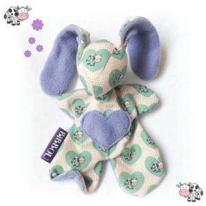 Doudou lapin pour bébé.  Moubbi  » zou la vache!» motif vache .Fait main, Unique et original.