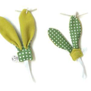 Ensemble  doudou lapin et attache sucette  vert pois blanc unique fait main.