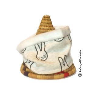 Snood enfant, tour de cou, beige motif lapin.Demi saison .Collection Automne .