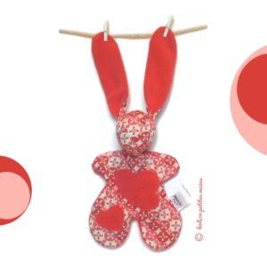 Doudou lapin rose fuchsia avec appliqués cœurs .original, fait main.
