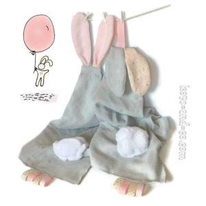 2 Doudous lange avec oreilles de lapin. Personnalisé  …. RESERVE  «Cléo»