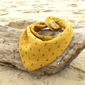 Bandana, tour de cou bébé enfant, jaune safran,motif ancres marine, double gaze de coton