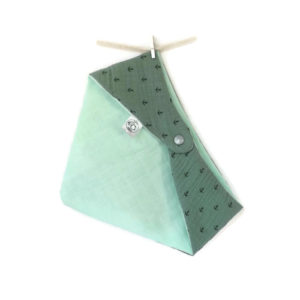 Bandana, tour de cou bébé enfant, vert, motif ancres marine, double gaze de coton doublé tissu lange.