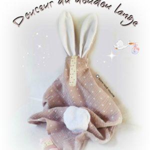 Doudou lange avec oreilles de lapin. Personnalisé  …. RESERVE  MoNa
