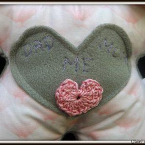 Doudou Lapin  Bibbou rose et taupe brodé main, tissus oeko tex, fait main , unique et original.