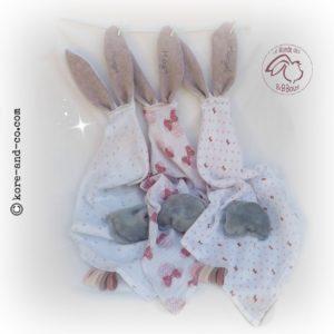 3Doudous lange avec oreilles de lapin. Personnalisé  …. ♥♥♥RESERVE  Margot ♥♥♥