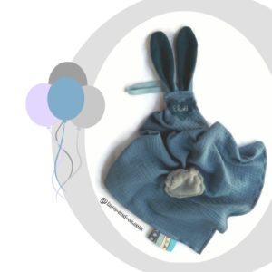Doudous lange avec oreilles de lapin + bandana . Personnalisé  …. RESERVE ELIOTT