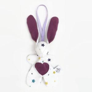 """Lapin de décoration""""Minibbou"""" mauve ; blanc avec étoiles multicolores"""