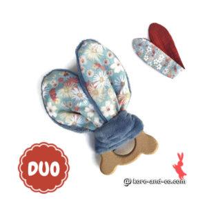 Jouet dentaire , 2 jeu oreilles de lapin sur anneau bois tête d'ours.Tissu fleurs et uni.