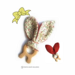 Jouet dentaire pour bébé, oreilles de lapin en tissu double gaze couleur brique doublé fleurs