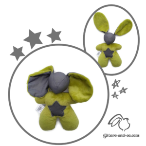 Doudou Lapin en tissu oeko tex gris et vert anis. Étoile .Fait main . original et unique