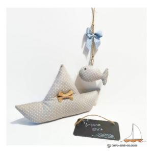 Bateau en tissu et poisson à suspendre . décoration fait main.