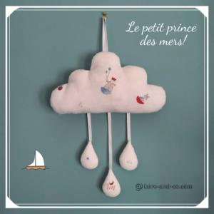 Décoration chambre d'enfant nuage le petit prince des mers .fait main . made in France