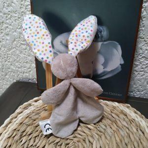 Doudou lapin multicolore, tissus oeko tex original fait mains.