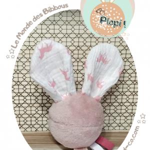 """Jouet d'éveil multi sensoriel sonore pour bébé .Balle rose et oreilles lapin licorne rose…""""Plopi licorne""""."""