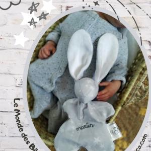 Doudou lapin tissu gris étoiles blanches .Commande RÉSERVÉ Pour Martin..