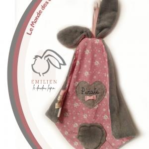 Doudou lapin Unique et original rose tête de mort.Emilien le lapin