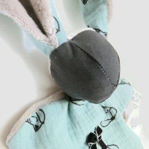 Doudou lapin tissu vert d'eau et gris motif renard .Original et unique. Fait mains.