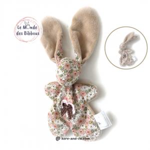 Doudou lapin jolies fleurs .Original et unique. Fait mains.