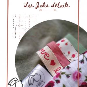 Doudou lapin EMILIEN , unique et original.Couleur rose et vert.Motif fleurs petites roses.