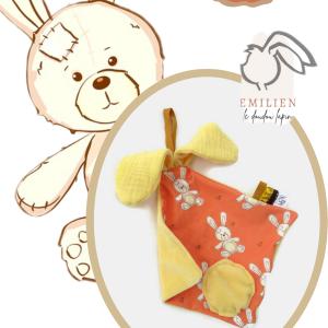 Doudou lapin EMILIEN petit modèle, unique et original.Orange et jaune motif lapin.