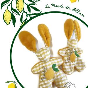 Duo de doudous lapins jaune , motifs citron.Fait main .